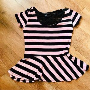 💝 Pink and Black Pelham girls shirt size med
